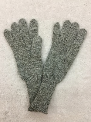 Woman's gloves 01